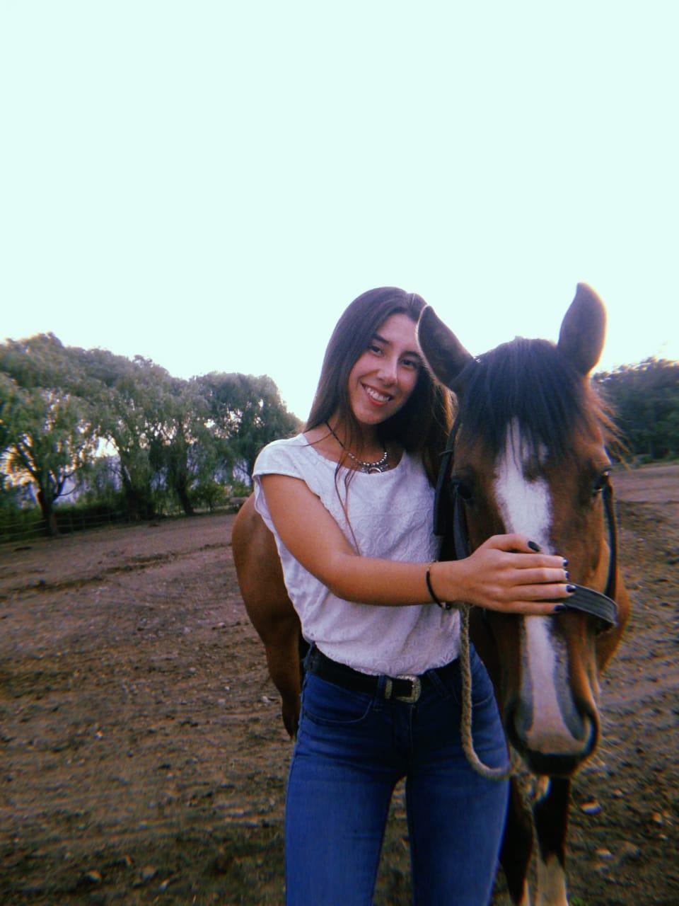 Claudia Palma Becada Fundacion Creo en Ti